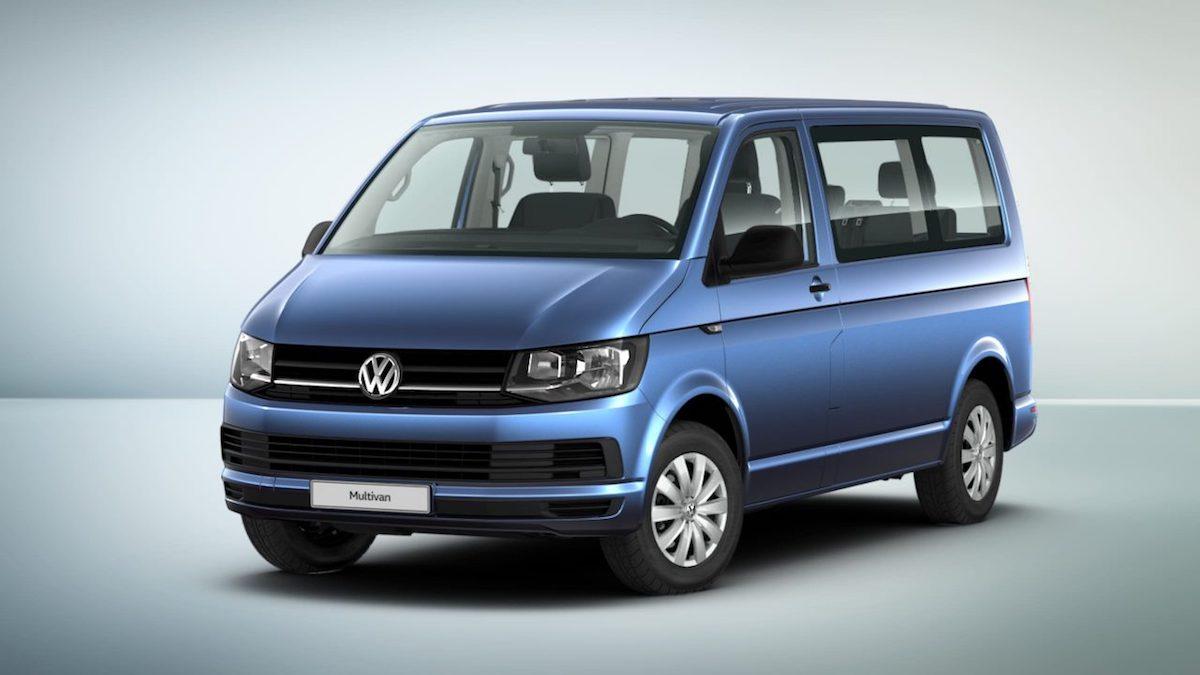 VW Multivan Familie in Blau mit Sonderausstattung